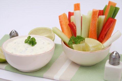 Gemüse mit Zaziki-Dip
