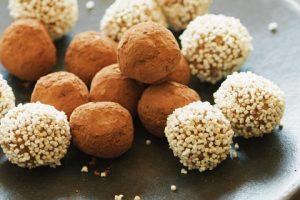 Quinoa-Dattel-Kugeln