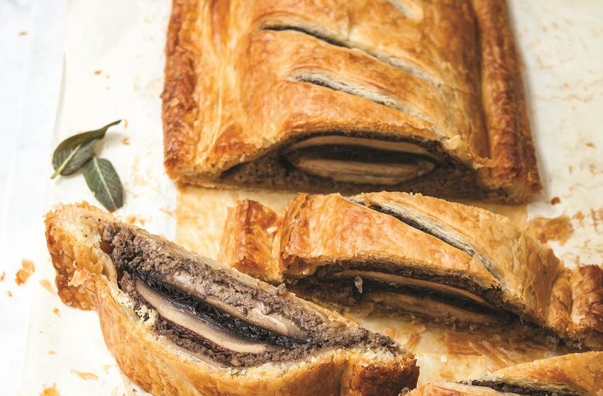 Veganes Pilz-Wellington mit Salbei und Zwiebeln