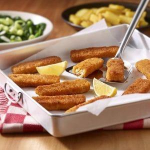 Vegane Fischstäbchen mit Spinat und Bratkartoffeln