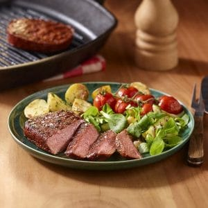 Veganes Steak mit Ofenkartoffeln und gegrillter Zucchini