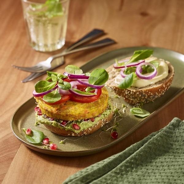 Veganer Süßkartoffel-Kürbis Burger