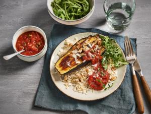 Lassie Recept - Italiaanse auberginetournedos met tomatensaus en kappertjes