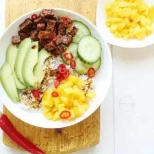 Crunchy tempeh rice bowl